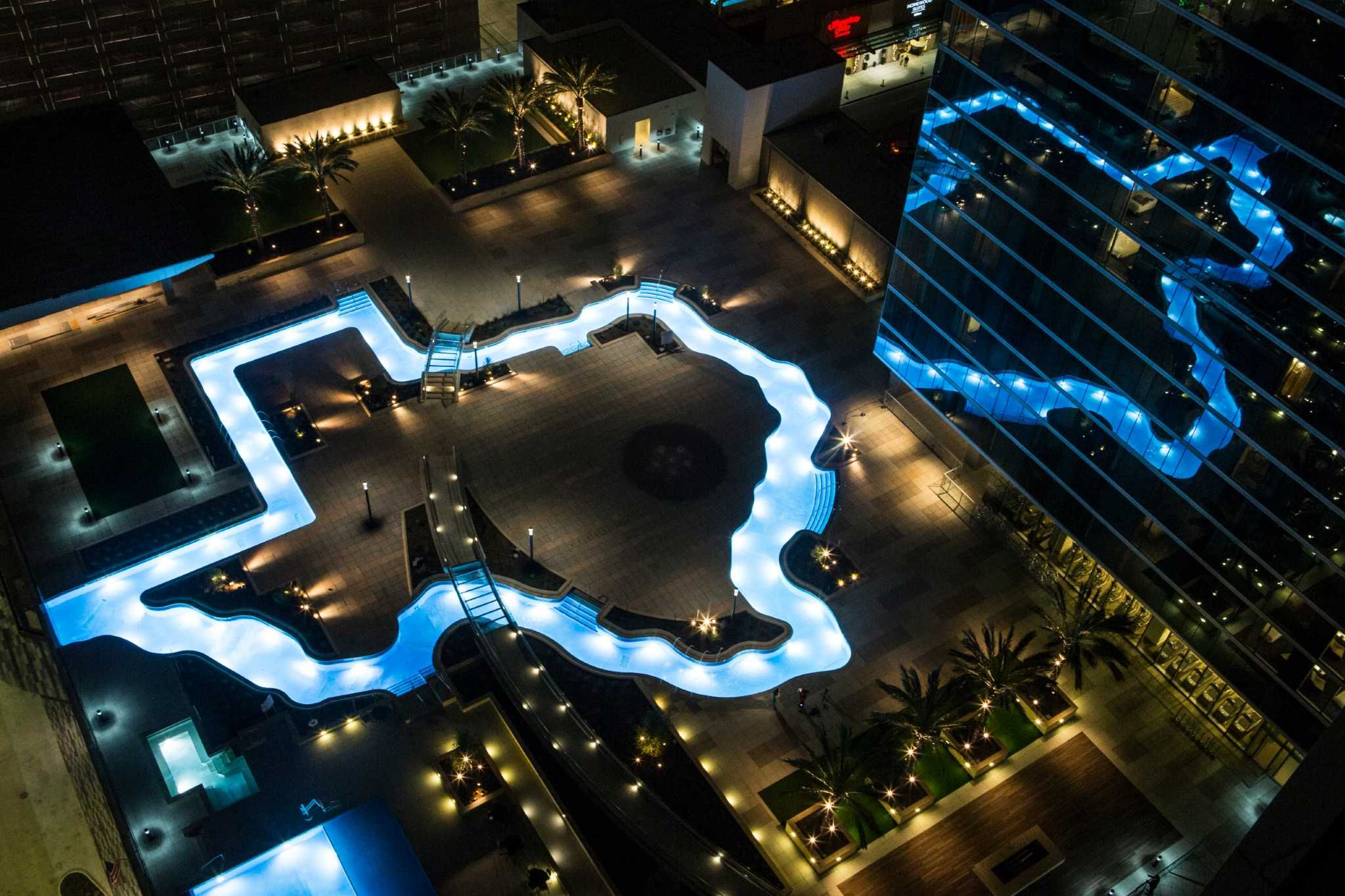 Marriott Marquis Houston Debuts Texas Shaped Pool In Grand Opening Houston Hotels Texas Shaped Marriott