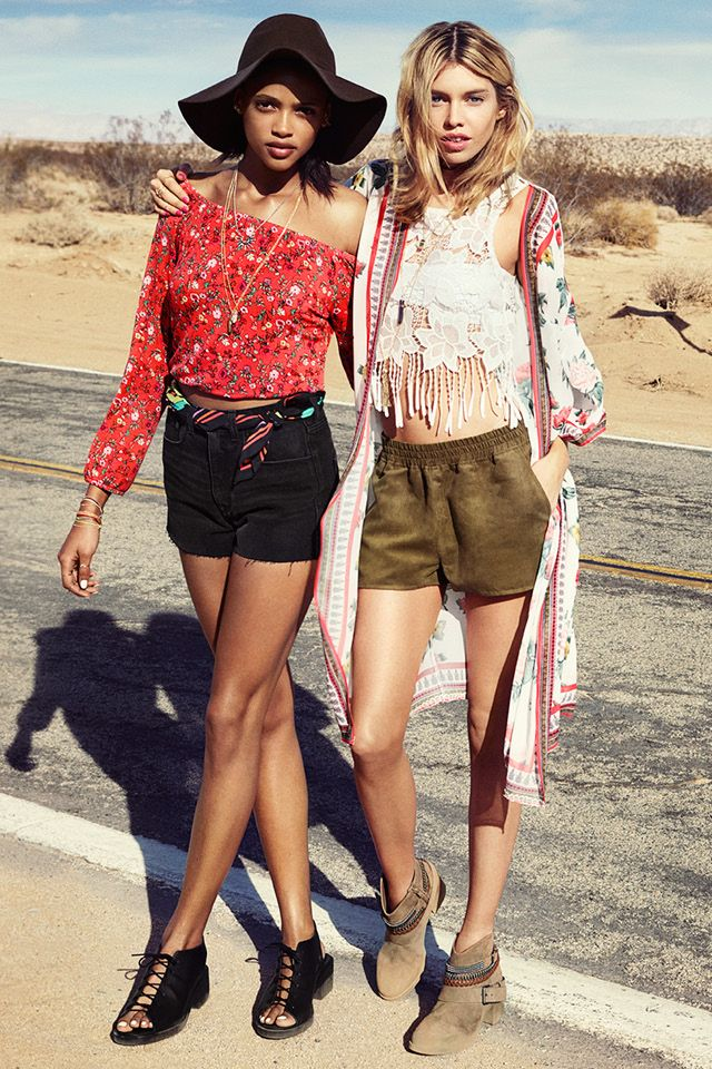 31d7d5394165b9 Travel buddy  check. Next up  festival fashion from the H M Loves Coachella  collection! Red floral off-the-shoulder top