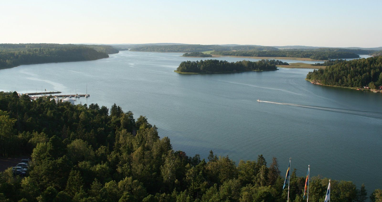 The municipality has a population of 2,538  of which 93.8% speak Swedish and 3.4% Finnish as their first language.The municipality covers an area of 172.48 square kilometres of which 49.23 km2 is water.The population density is 20.59 inhabitants per square kilometre  The municipality is unilingually Swedish.