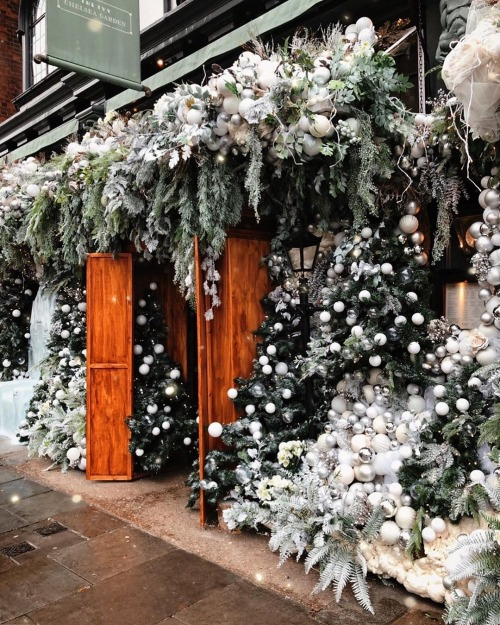 Fleur Aesthetic In 2020 Chelsea Garden The Ivy Chelsea Christmas
