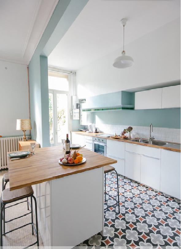 Répérées sur le site houzz 15 idées pour remplacer la table à manger par un ilot de cuisine avec coin repas intégré