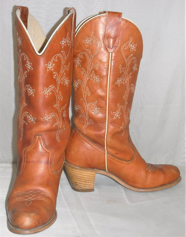 1a50a0b77a7 Vintage Women's Wolverine Boho Flower Leather Cowboy Boots 7 ...