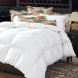 Give The Gift Of Lofty Warmth 900 Fill Power Batiste Down Comforter Holiday 2017 Heirloomgift Giftsforcouples D Down Comforter Comforters Serta Mattress
