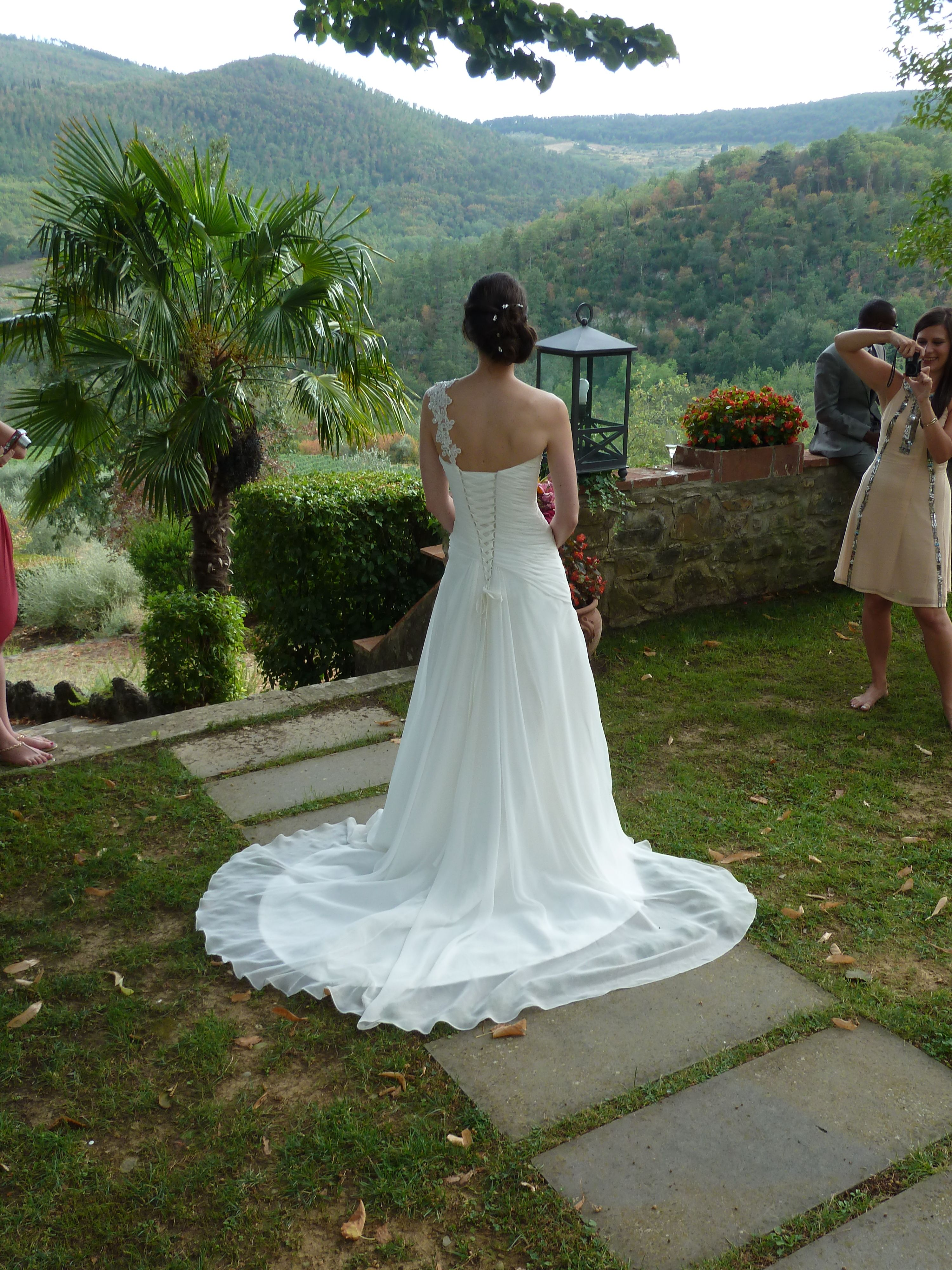Amanda Wyatt, Gayle dress, Ivory, Size 8 from Brides Pages ...