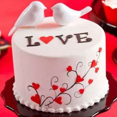 Valentineu0027s Day: Love Birds Cake