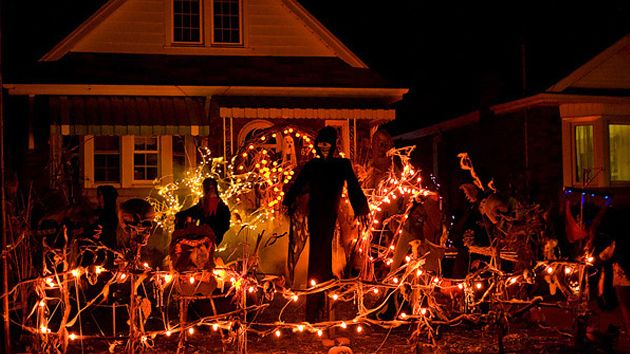 15 spooky halloween home decorations - Homes Decorated For Halloween