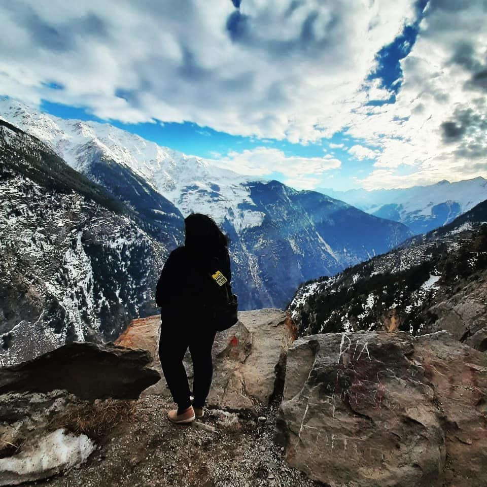 How wild it was, to let it be🗻🏞️🌄❤️ #mountains #himachal #himalayas #spiti #solo #travelphotography #travel #travelgram #travelphotography #traveltheworld #traveller #travels #mountain #suicidepoint #sky #nature #naturephotography #instapic #instagram #instatravel #natgeoyourshot #oneplus7t #oneplus #peace #vacation #happy #awesome_earthpix