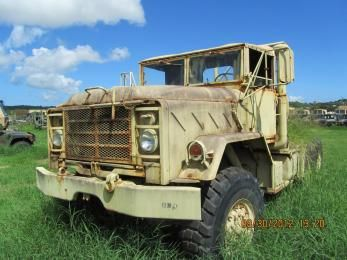 Truck Tractor U S Army Tank Automotive Command Surplus With Wheels On Govliquidation Com Army Tanks Army Vehicles Military Vehicles