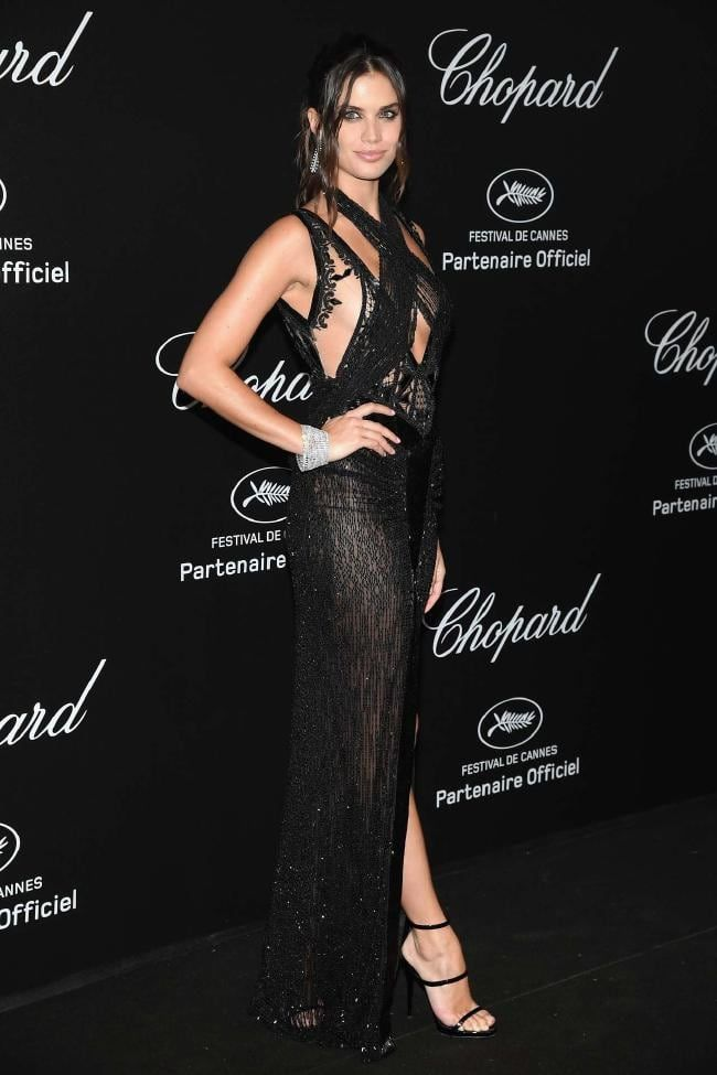 Kendall Jenner Shows Off Legs In Provocative Dress