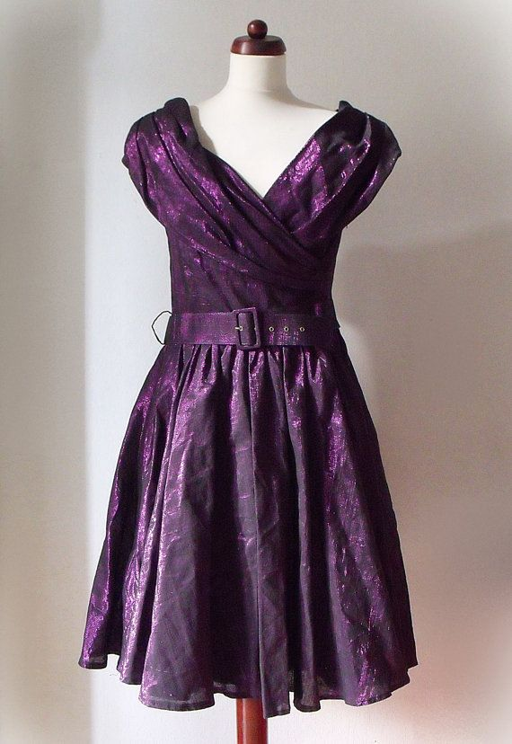 1980's Party Dress  Purple Lamé Prom von PaperdollVintageShop, €29,90