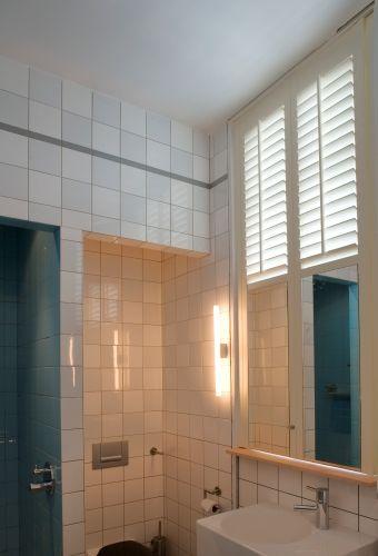 Badkamer - Jasno Shutters & Blinds | huis idee interieur | Pinterest