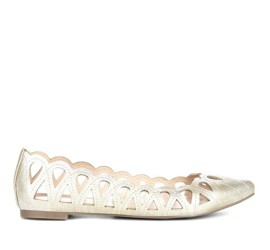 Cut out flats - Karlene Love these..need them in my life