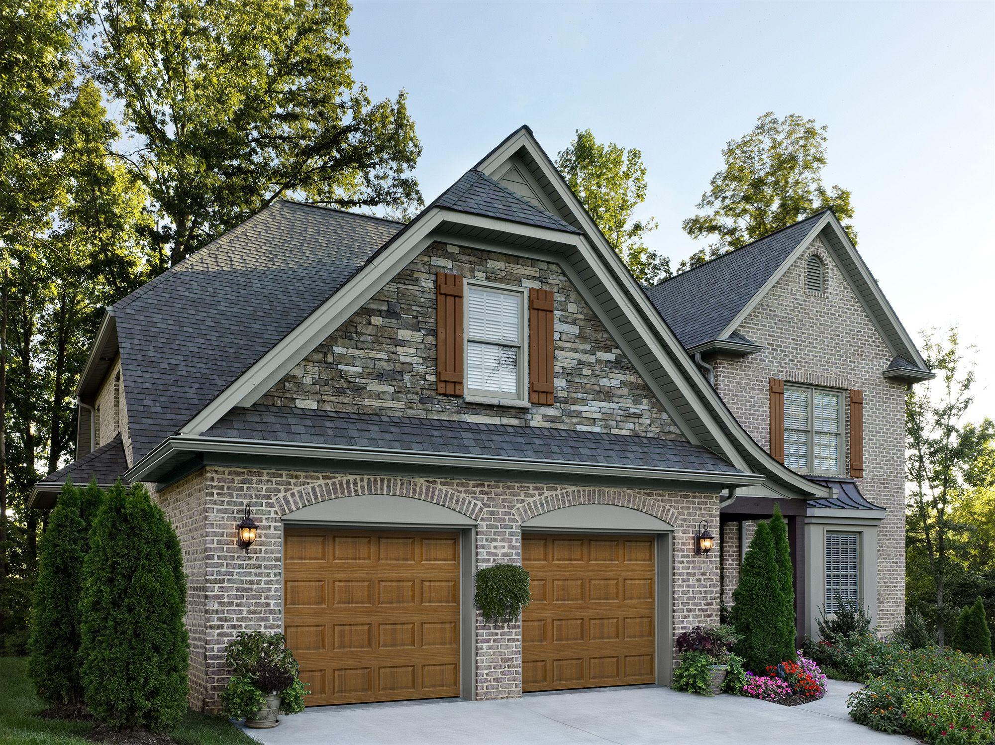 Amarr Short Panel Design In Golden Oak Dual Directional Woodgrain Visit Www Amarr Com For More Great Garage Door Installation Garage Doors Garage Door Design