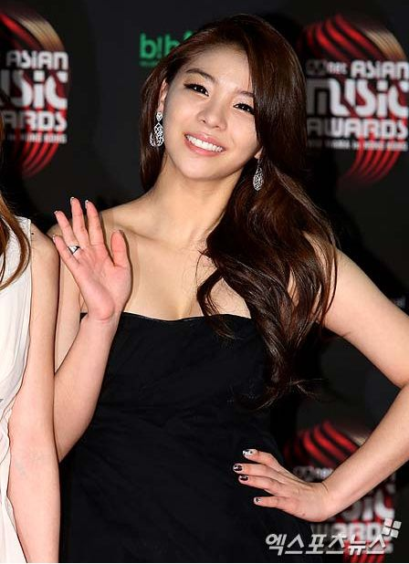 Pin By Monique A On Ailee Ailee Kpop Girl Groups Korean Singer