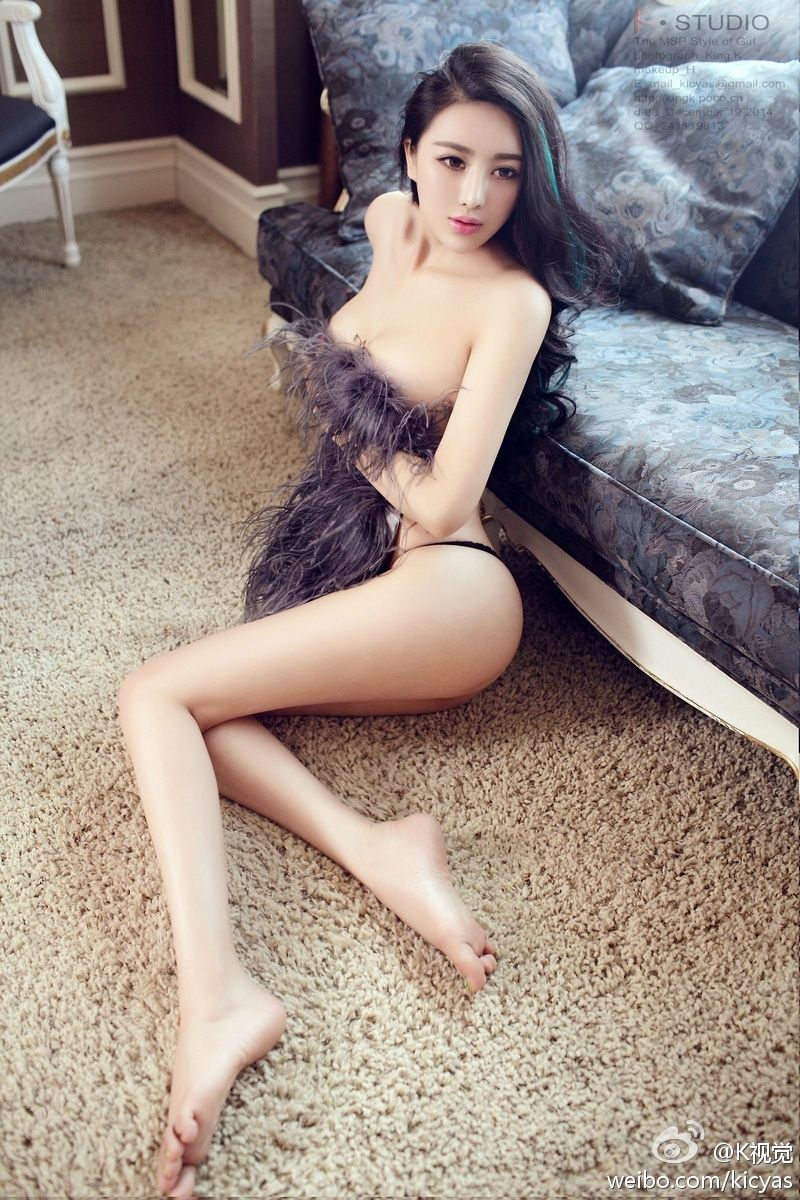 Sexy pose girls