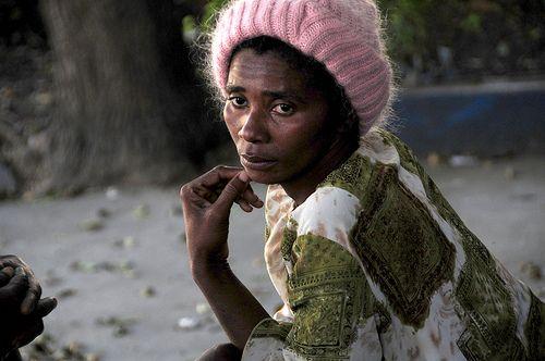 meditando sobre las ayudas al destruido haiti