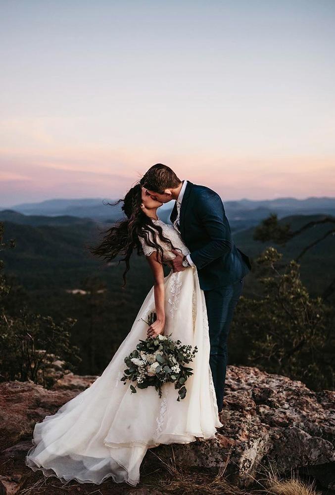 33 Gorgeous Cute Wedding Photos Bride And Groom | Wedding Forward