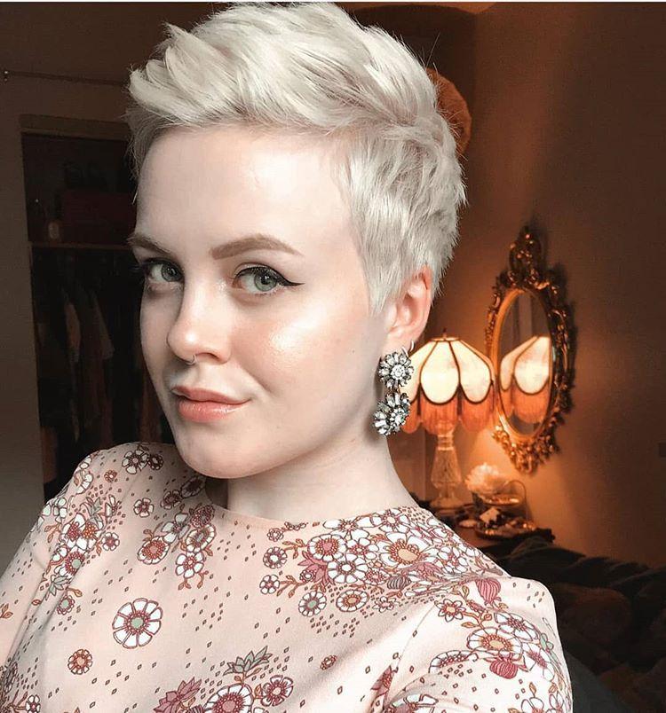 frauen frisur haare nach hinten | meilleure coiffure moderne