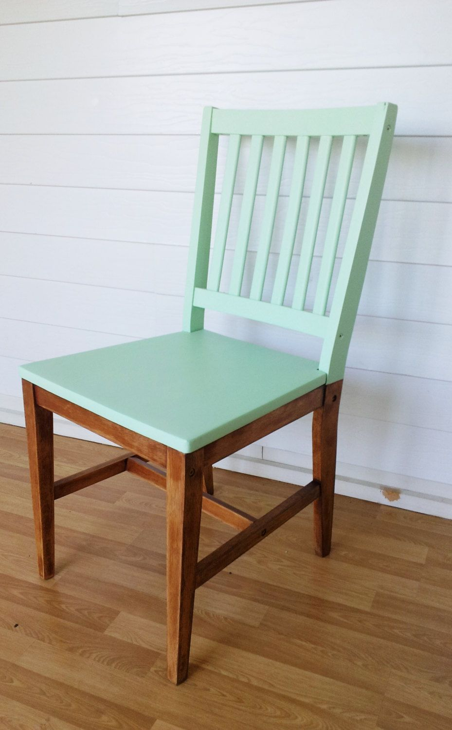 Paint just the top of your old wooden chairs to give them a fresh minty look! LOVE this idea!!! & genius! Paint just the top of your old wooden chairs to give them a ...