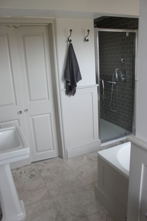 Perfect For Grown Up Bath French Grey Pale Walls Mid Woodwork Little Greene Paints