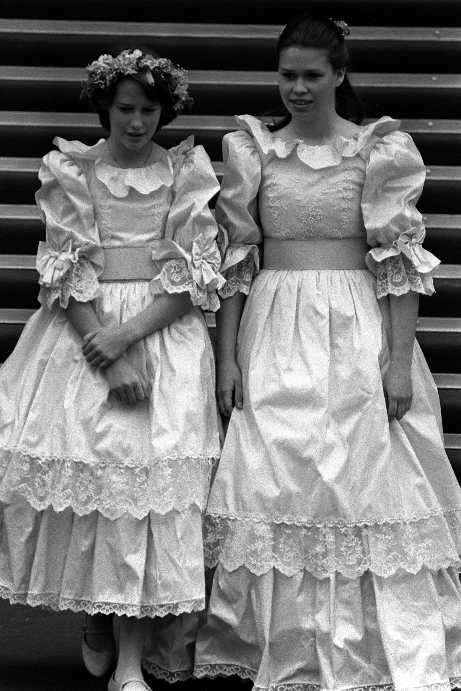 9207e811a74 1981  India Hicks and Lady Sarah Armstrong-Jonesgoodhousemag