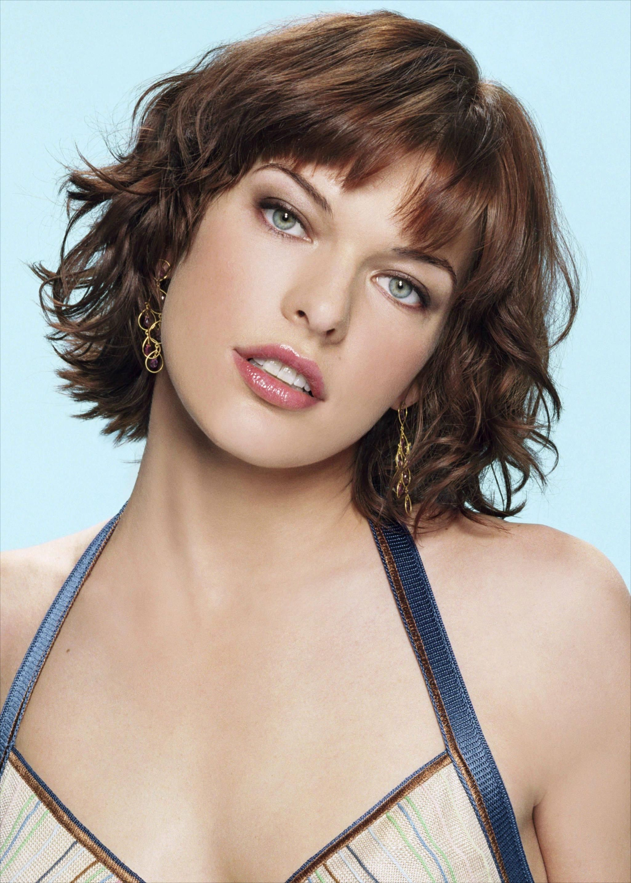 Milla Jovovich Short Brown Bob Hairstyle with Bouns Waves