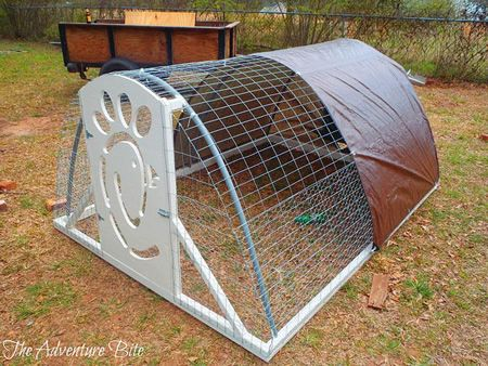 Diy pvc chicken tractor ideal for when you don 39 t want or for Chicken coop made from pvc