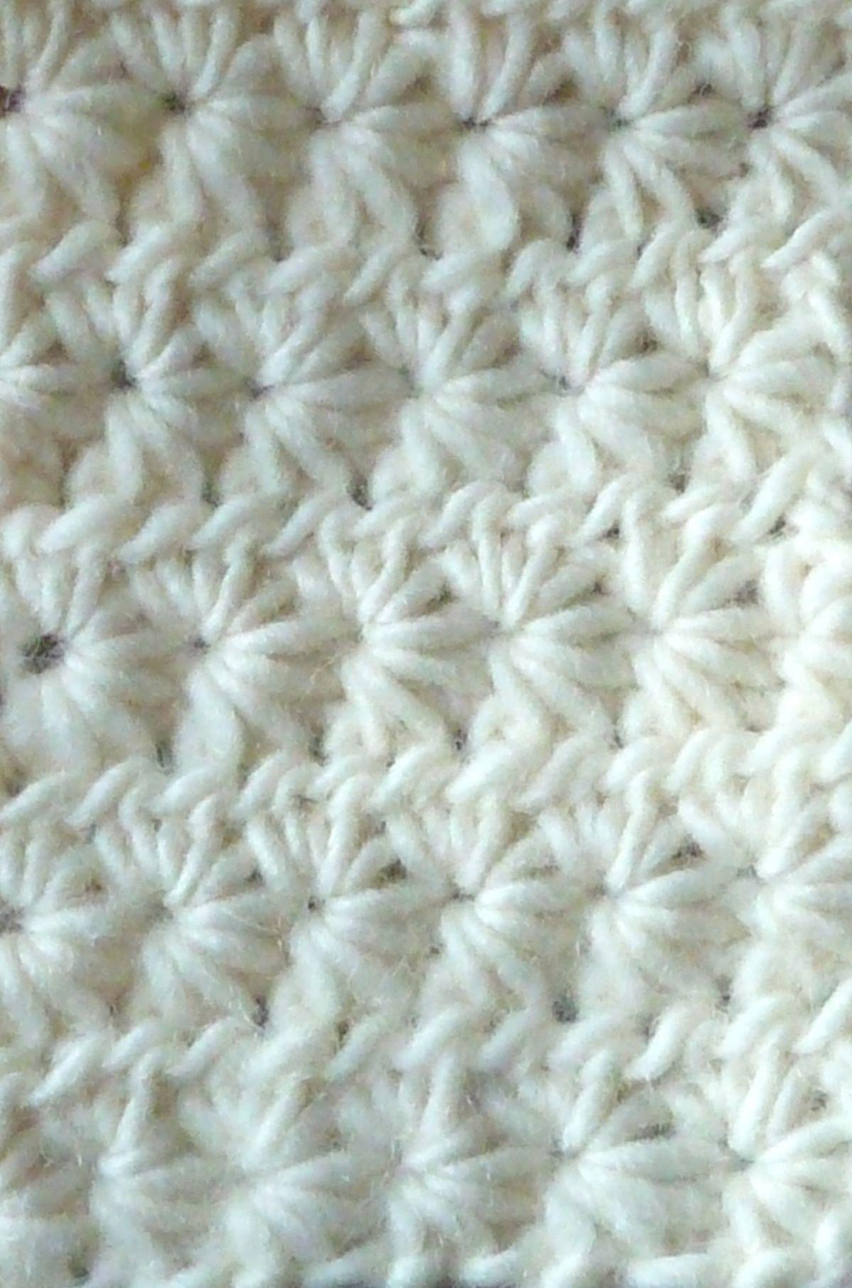 Star ~ Daisy Stitch: free #crochet #pattern