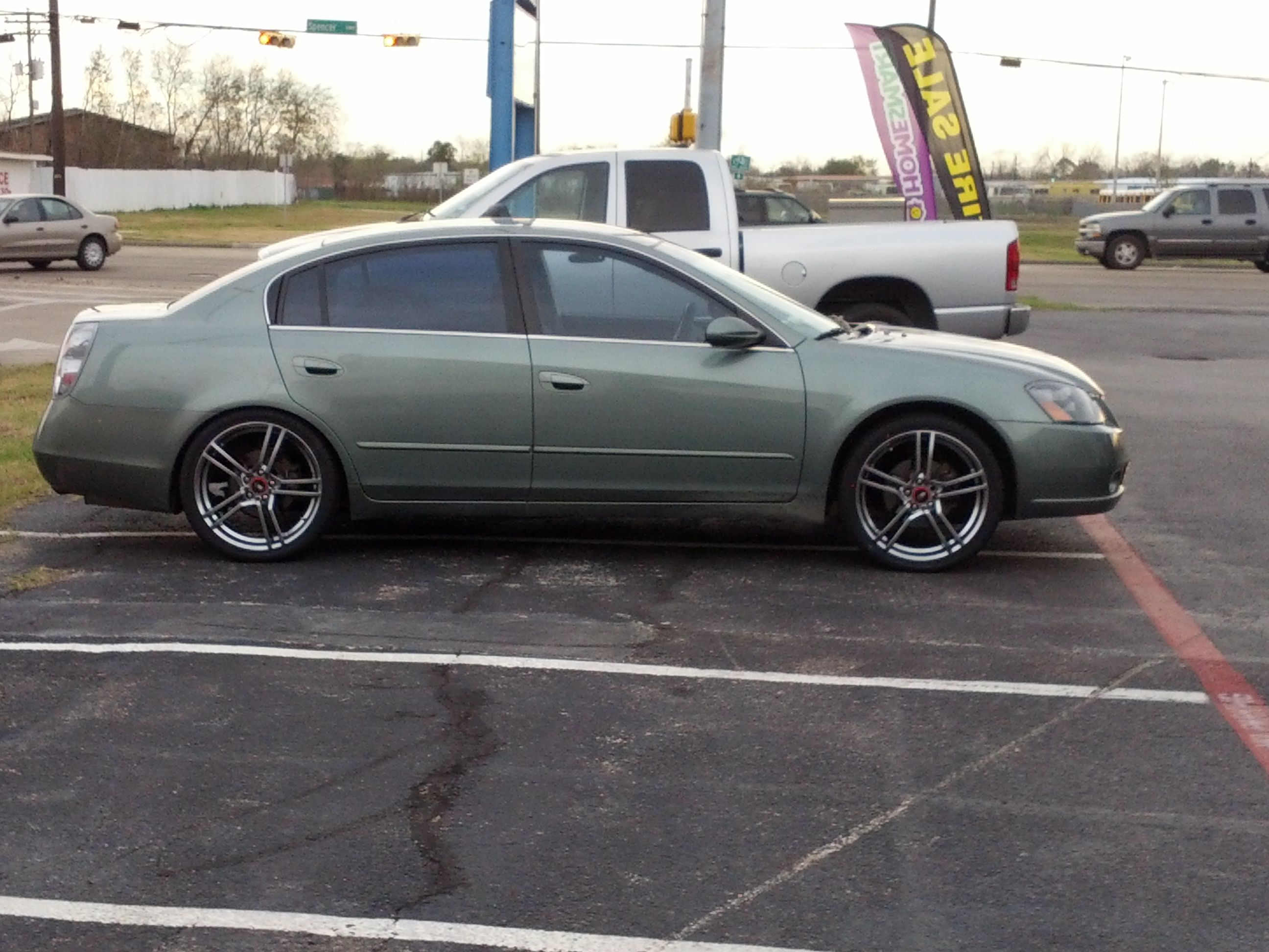 Check out Eric Baker's 2005 Nissan Altima sporting the 20