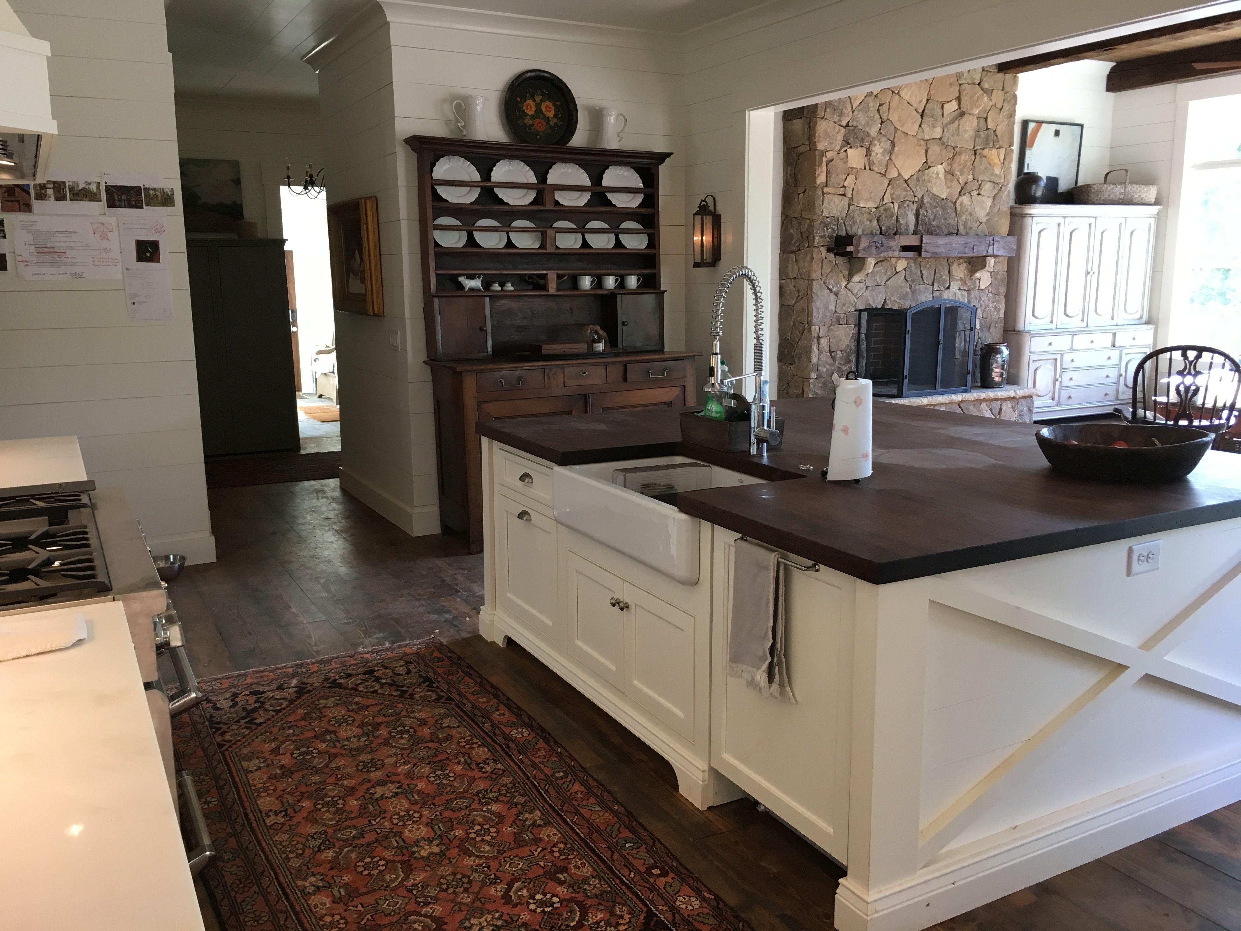A New Farmhouse Kitchen In Sherwin Williams Dover White Farmhouse Kitchen Colors Tuscan Kitchen White Kitchen Cabinets