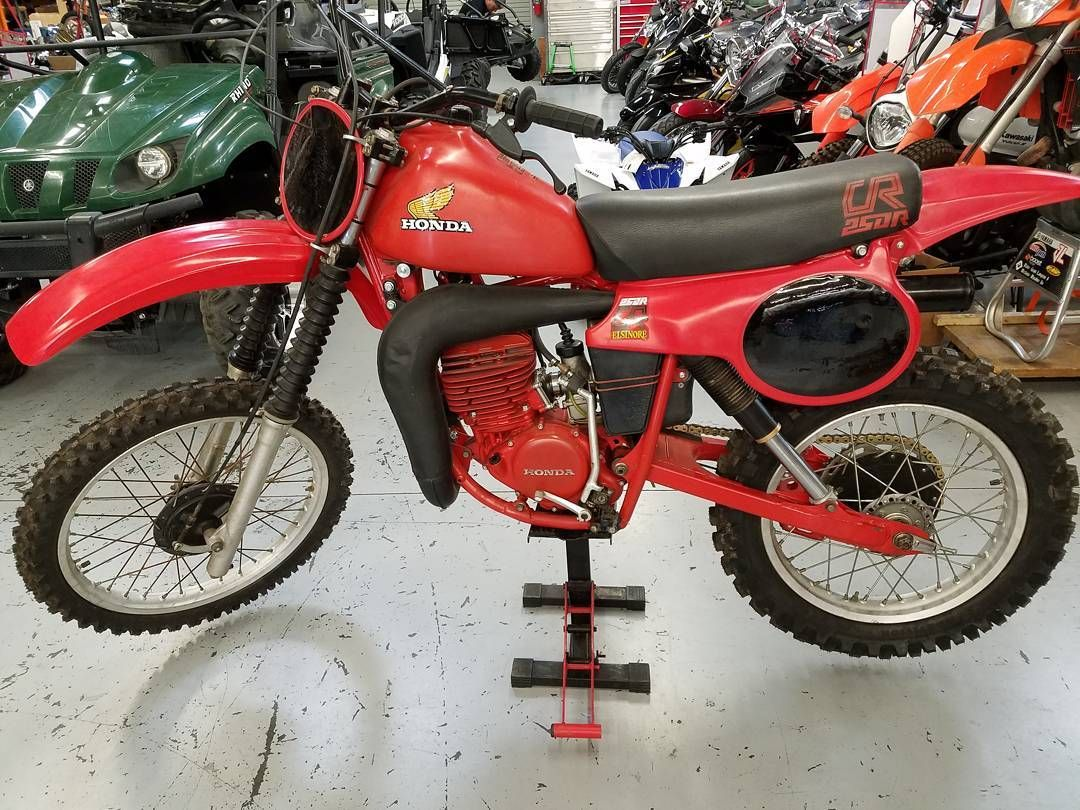 For Our Tbt A 1980 Cr 250 Unrestored Fox Air Shocks One Of Many Bikes Being Displayed Next Sunday Oct 29 At The Co Motorsport Vintage Bikes Air Shocks