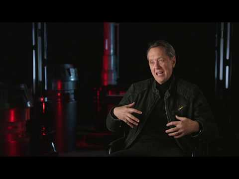 Interviews With The Cast And Crew Of The Rise Of Skywalker Youtube Celebrity Interview Interview It Cast