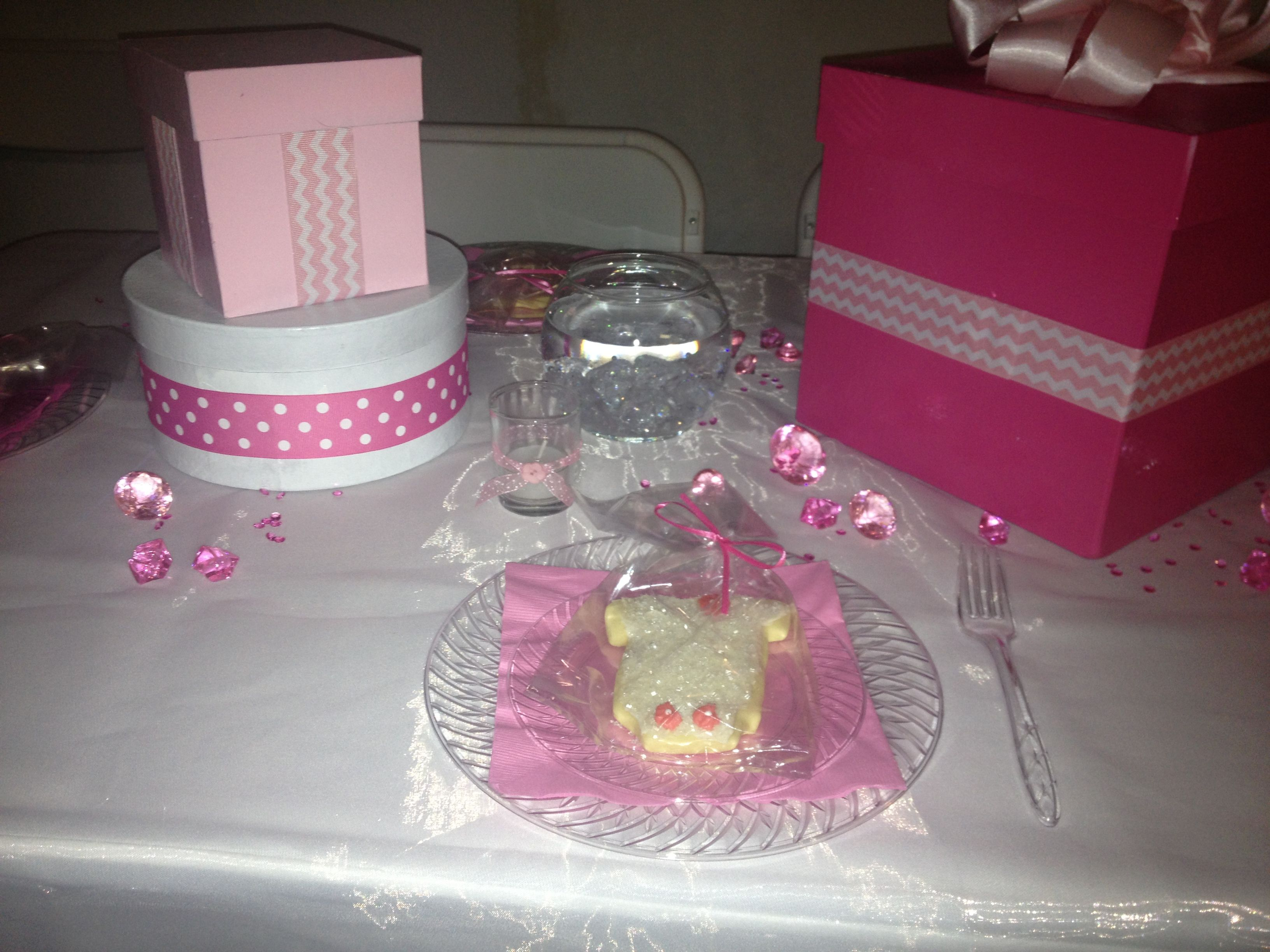 Girl baby shower table set up Baby shower tables