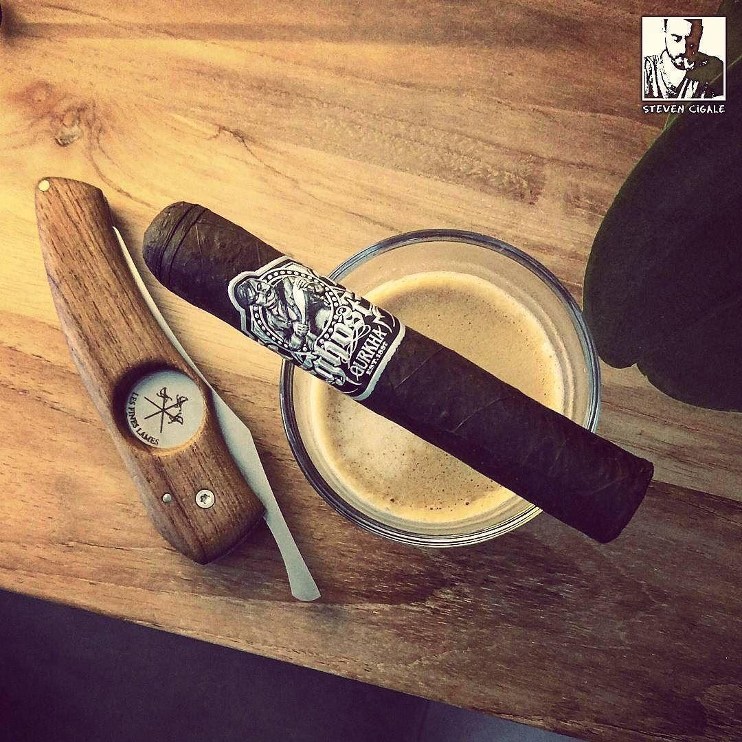 rauchr.de - Dein Zigarren-Shop — stevencigale:   #smokeoftheday with my coffee :...