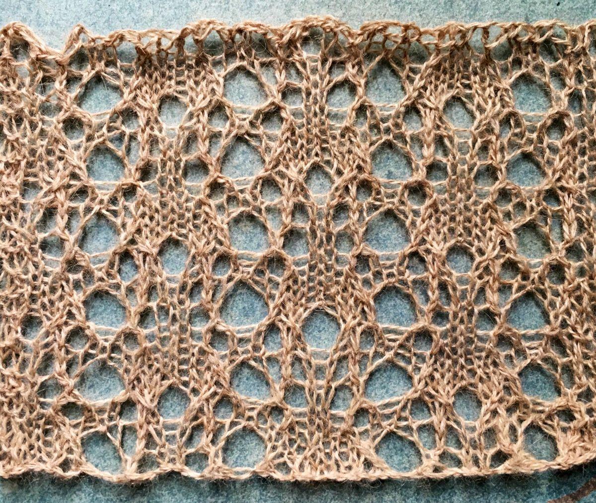 Help: a free lace knitting stitch pattern
