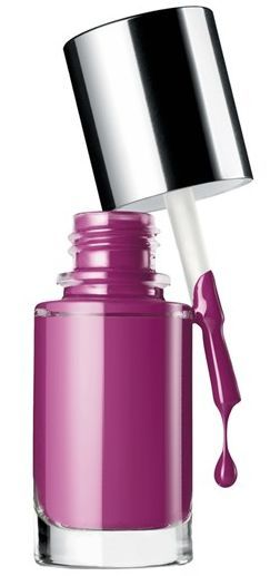 Orientieren Sie sich auch beim Nagellack an den Rottönen Ihres Farbpasses!  Kerstin Tomancok / Farb-, Typ-, Stil & Imageberatung