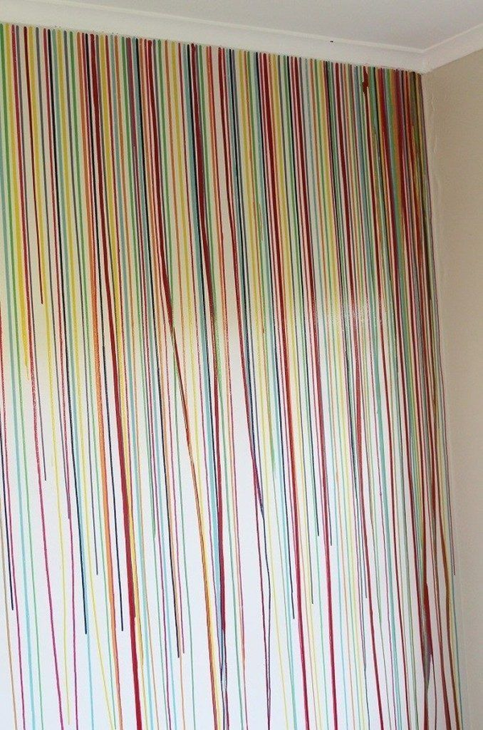 Mit ein wenig Farbe in einer Injektionsspritze geben Sie den Wänden ...