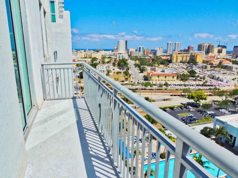 Incredible Views From This Penthouse For Rent In The Edge Downtown West Palm Beach Fl 2 2 W Office Downtown West Palm Beach West Palm Beach Palm Beach