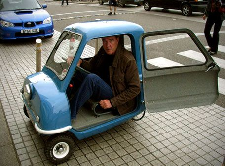 The Smallest Car In The World >> Jeremy Clarkson Is 6 5 And Fits In The Smallest Car In The