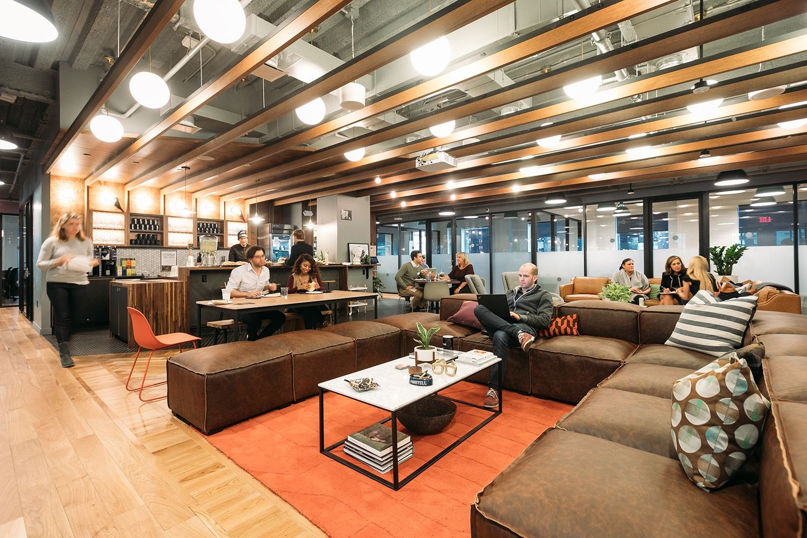 A Look Inside Wework S Nyc Coworking Space E 57th Coworking Space Common Area New York Office