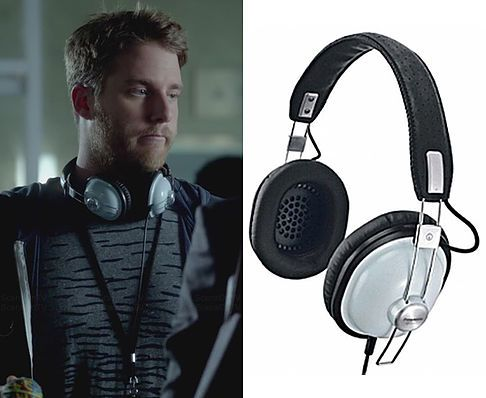 5e0bf602e281 Brian Finch (Jake McDorman) wears a Panasonic RP HTX7 Headphones in the  color Sky in Limitless Season 1 Episode 4