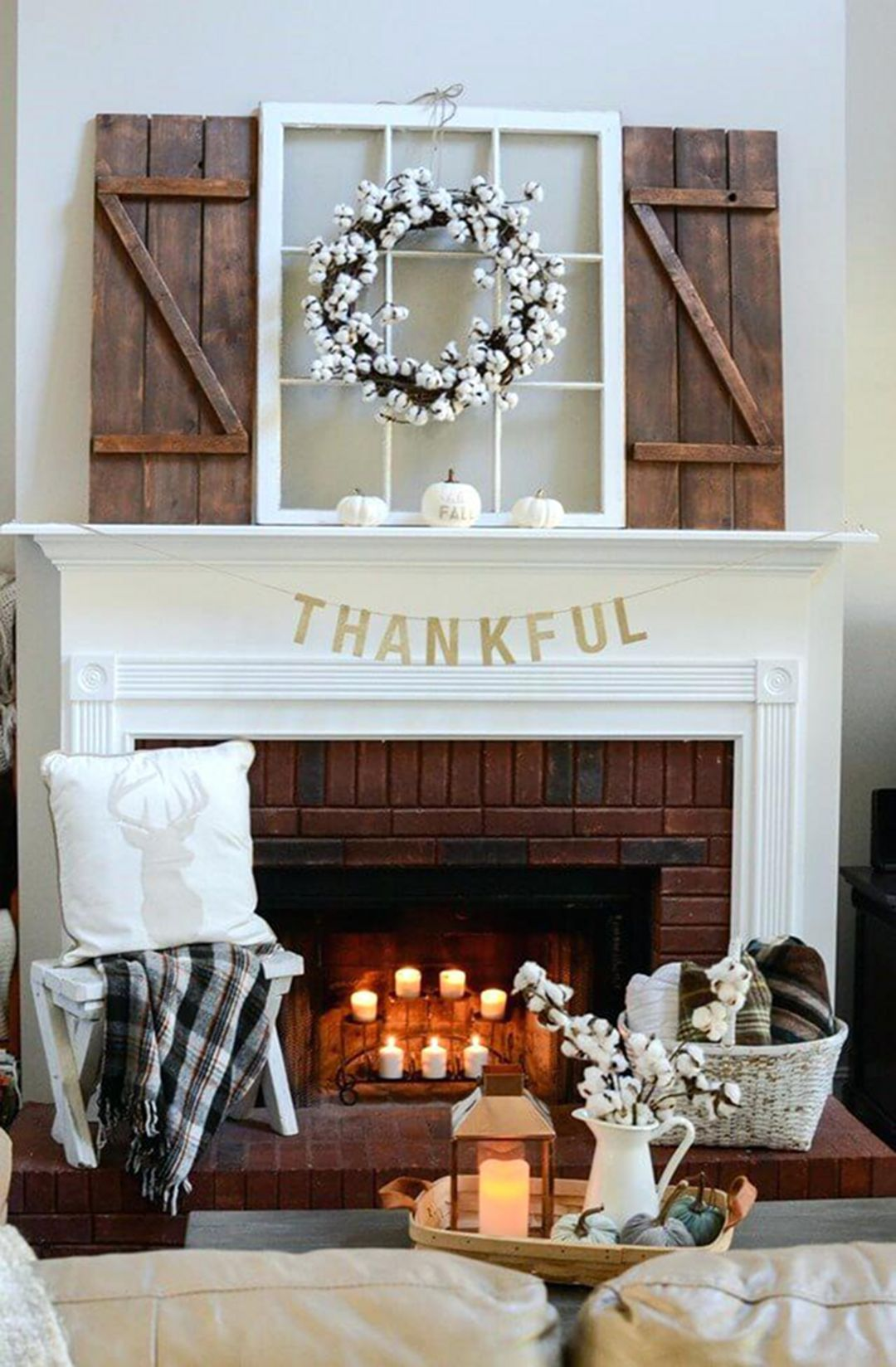 30 Beautiful And Cozy Fall Dining Room Décor Ideas: 30 Gorgeous Farmhouse Fireplace Mantel Design And Decor