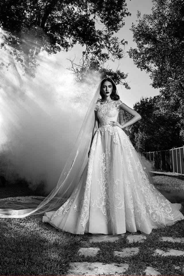 Fashion Friday: Zuhair Murad Bridal Fall 2016 | Sheer | Illusion Lace | Detachable Skirts | Sparky | Beading | Daring | Bold | Elegant | http://brideandbreakfast.hk/2016/01/15/zuhair-murad-bridal-fall-2016/
