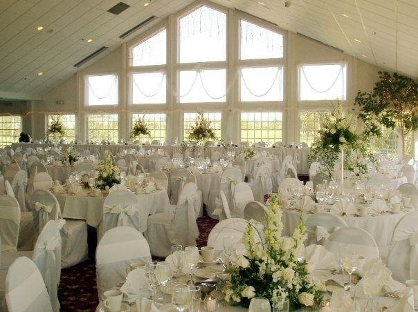 Eagle Vale In Rochester New York Table Decorations Wedding Reception Venues Wedding Magazine