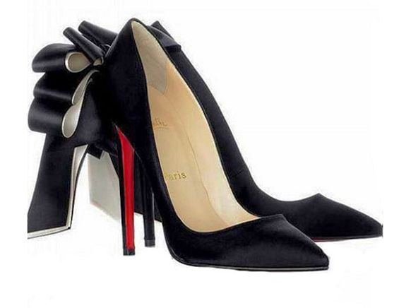 50bc29f1f23 CL red bottoms on | christian louboutin ankle boots | Fashion ...