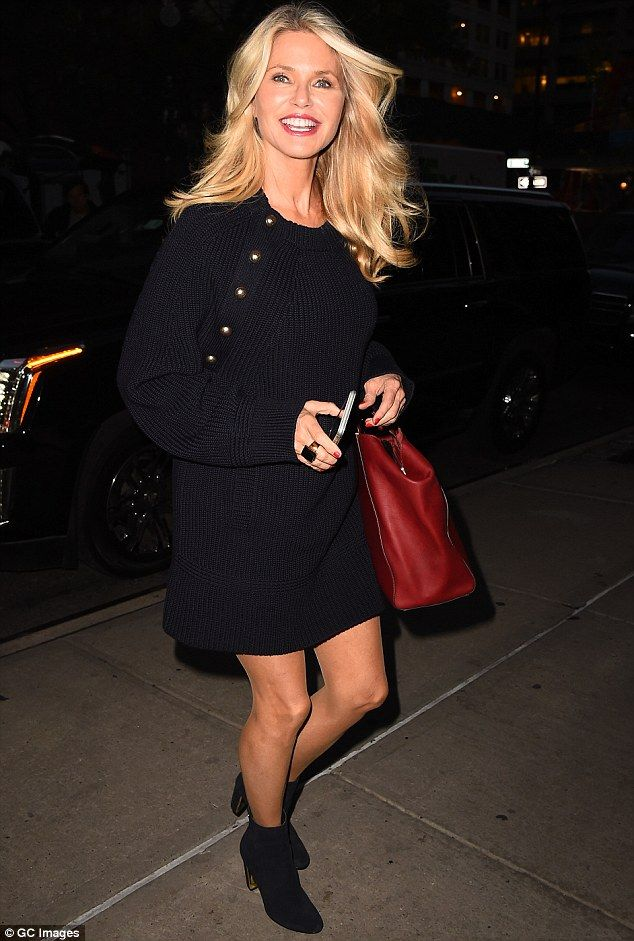 Sexy At 62 Christie Brinkley Is Younger Than Her Years In Two Outfits