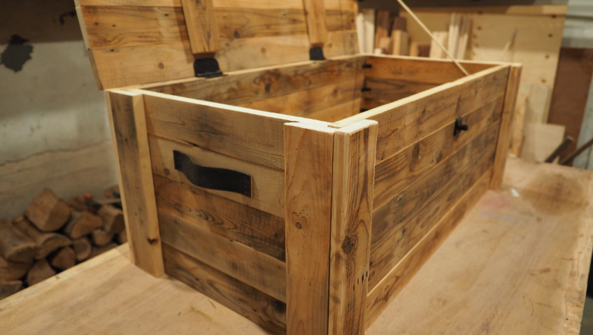 Build A Storage Chest From Reclaimed Wood Wood Storage