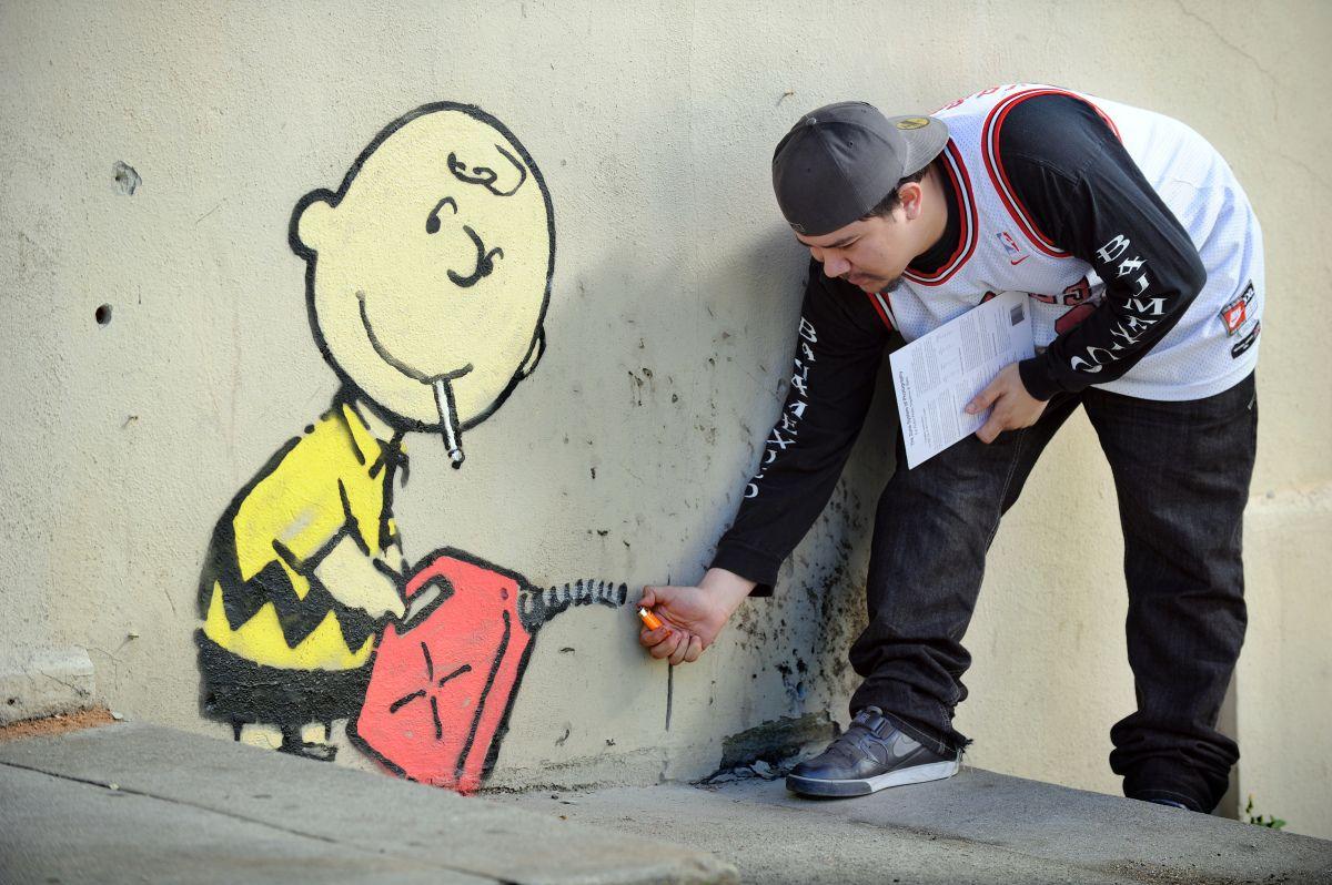 WATCH: Banksy Haters Strike Again | Banksy | Street artists
