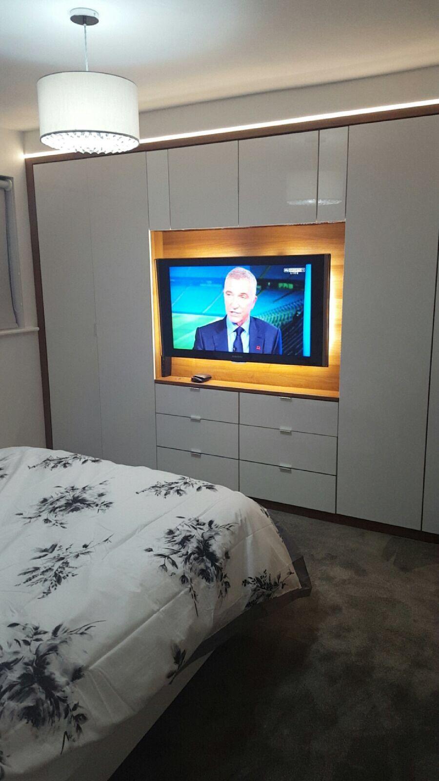 Built In Wardrobe With Tv Moveis Quarto Casal Armarios De