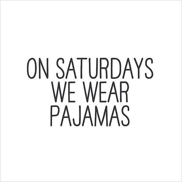 Saturday, Netflix Day ✌ #saturday #netflix #reddressboutique #pajamasallday